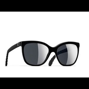 CHANEL Butterfly Quilt Polarized Sunglasses